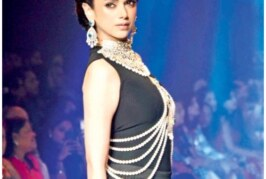 Bollywood Celebs for IIJW 2015 in Bridal Look