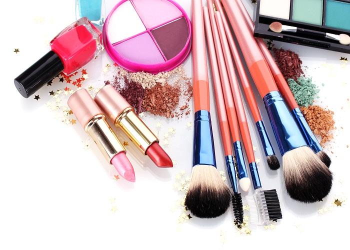 8 Makeup Hacks For Dark Skin