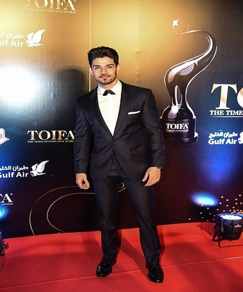 Best Dressed Bollywood Actors
