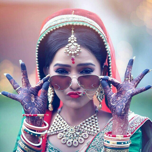 10 Must Have Solo Candid Bridal Pictures