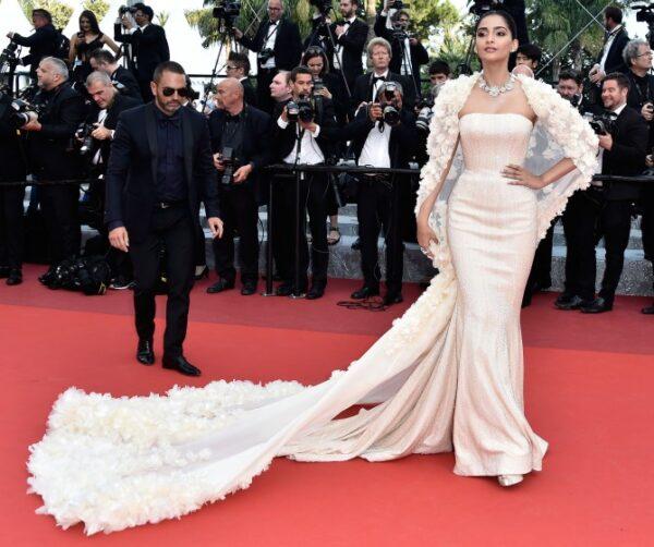 Sonam Kapoor at cannes 2016