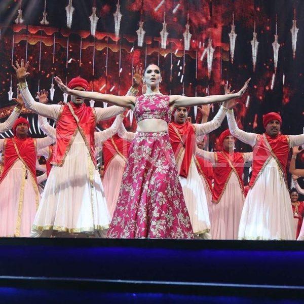 Priyanka Chopra Charge To Perform at IIFA2016