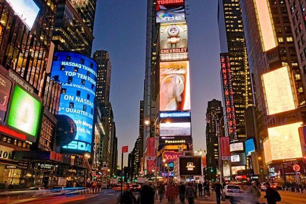 10 Popular Celebrity Holiday spots