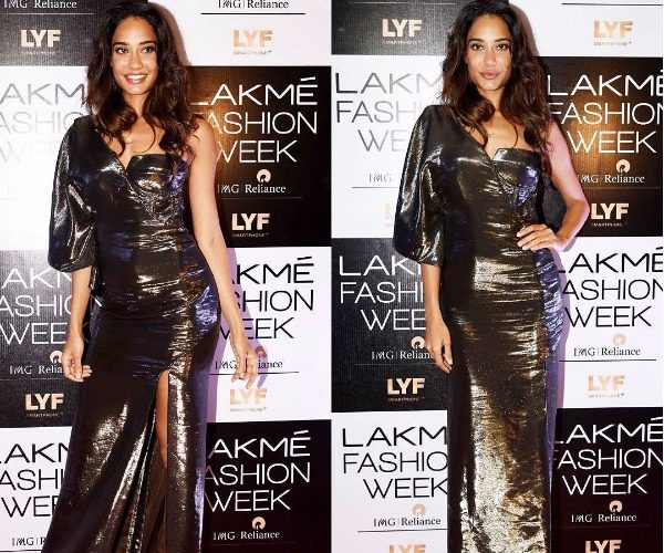 Lisa Haydon in Monisha Jaising at Lakme Fashion Week 2016