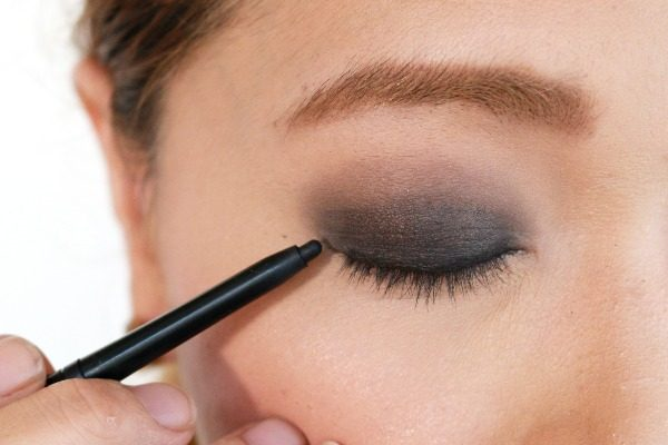 Quick Smokey Eyes with a Single Kajal Pencil