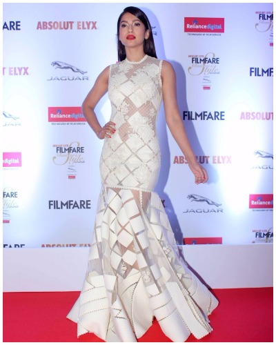 Gauahar Khan at Filmfare Glamour and Style Awards 2016