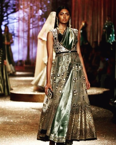 AIFW SS17 Indo-western outfits from JJ Valaya