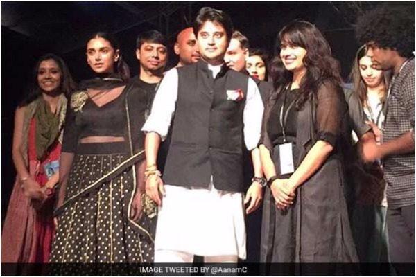 Jyotiraditya Scindia promoting chanderi facric