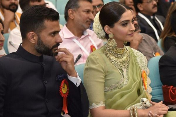 In Pics: Sonam Kapoor Attends National Awards Ceremony With Rumored Boyfriend Anand Ahuja!