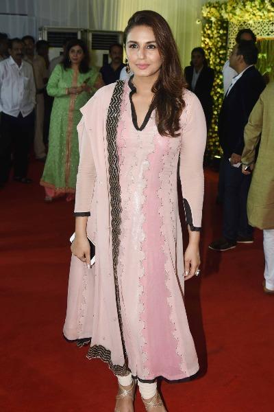Huma Qureshi at Baba Siddique's Iftar Party