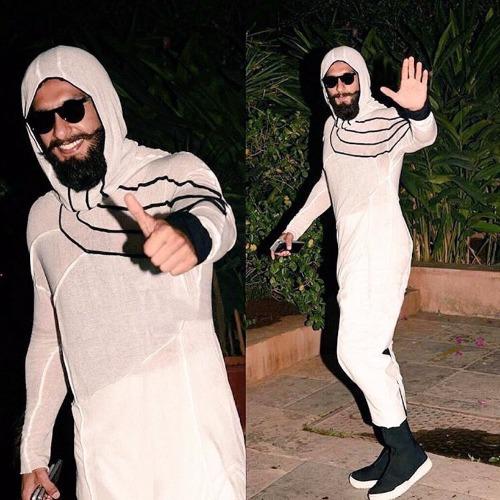 Birthday Special Ranveer Singh Wore Most Wackiest Outfits