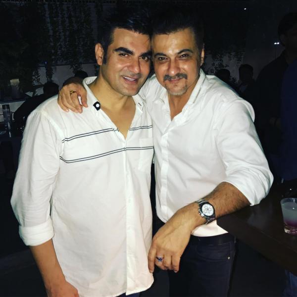 Arbaaz Khan's Birthday Bash Salman Khan Malaika Arora Karisma Kapoor